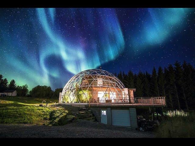 Семья из Норвегии построила дом под куполом, где тепло и уютно даже полярной зимой