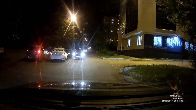 таксисты беспределят или своих выручают?!