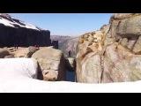 Красоты Норвегии, свободный полет со скалы