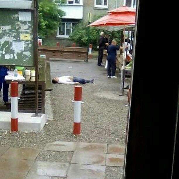 Фото: в Иркутске на улице Школьной обнаружили труп