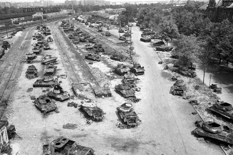 Уничтоженная техника в ходе боев за Берлин.1945 год.