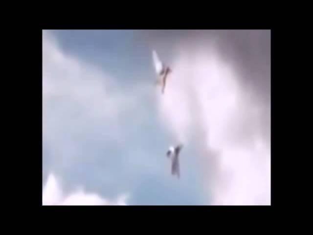 Два ангела были замечены в небе