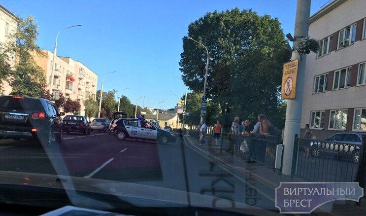 На ул. Ленина напротив больницы пострадал мотоциклист