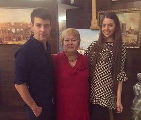Мама Дмитрия Дмитренко скоро приедет в гости на поляну.