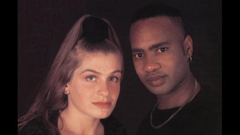 Cappella - Move On Baby (Live Concert 90s Exclusive Techno-Eurodance RAI 1 Un Disco Per Lestate Riccione 94