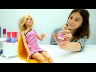 Мультики для девочек. #ЛучшаяподружкаВика выбирает духи для #Барби! Видео про кукол