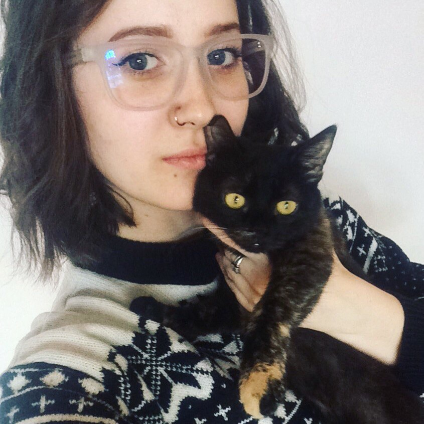 это я и моя ёбнутая кошка (которую я все равно люблю)