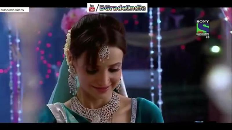 Sanaya Irani Hottest Romance Navel Show Hot Kiss Video