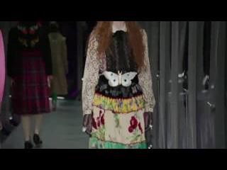 Gucci Fall-Winter 2017 Womens and Mens Full Runway Show at Milan Fashion Week [HD]