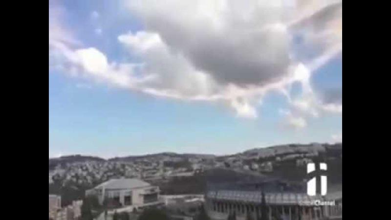 Ангел вострубил при вскрытии гроба Господня в Иерусалиме