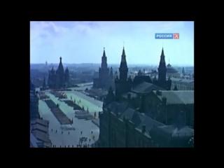 Утро красит нежным светом стены древнего Кремля