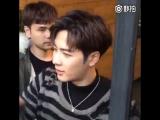 [Фанкам]  Джексон в перерыве между съемками в Шанхае встретился с фанатами