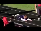 Как поступают дети-дауны, когда один из них падает