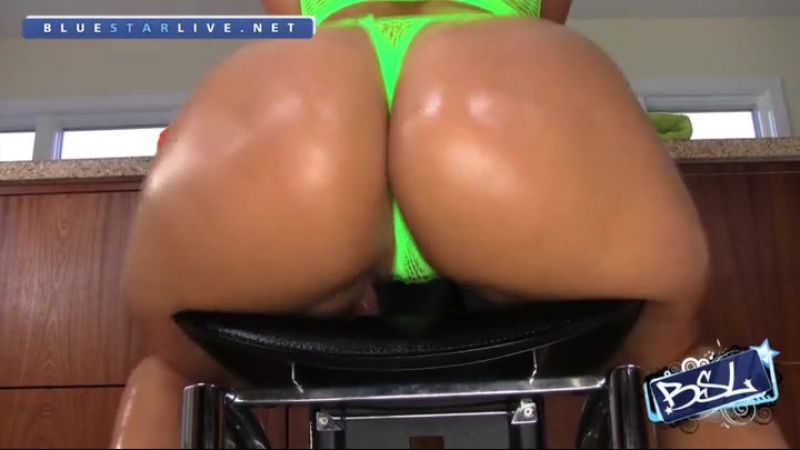 Rosee Divine in green thong R0533 4 OF 9 HD french big ass booty butts tits boobs bbw pawg curvy chubby wide