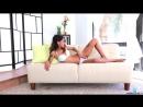 Девушка получает удовольствие от клиторального вибратора HD видео порно секс знакомства анал минет порево порнуха