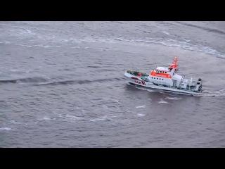 Катер и корабль береговой охраны на радиоуправлении, прикольные модели