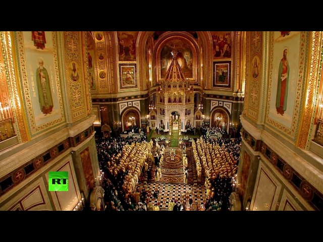 Патриарх Кирилл проводит литургию в храме Христа Спасителя в день своего 70-летия
