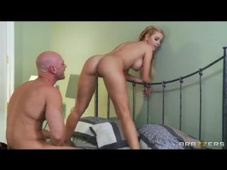 04 режиссер johnny sins трахнул сексуальную блондиночку jessie rogers пришедшую на кастинг