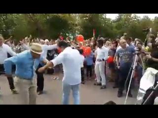 Россия в Москов Под турецкой музыкой танцевали !