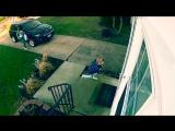 Маленькую девочку унесло ветром, когда она открывала дверь