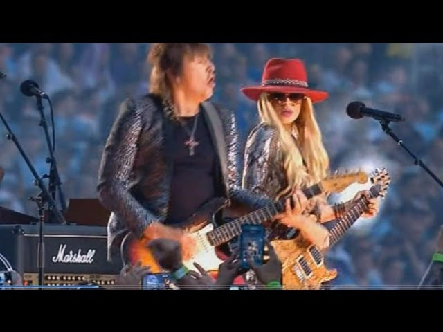 Richie Sambora and Orianthi Dead Or Alive Livin' On A Prayer Live in Sydney 2016 NRL Final