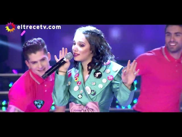 Ángela Torres estrena su nueva canción La vida en rosa