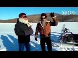 """Джеки Чан на съемках китайского реалити-шоу """"Папа, куда мы едем?"""""""