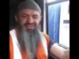 Бельгийский дальнобойщик Шамиль Скайповский передаёт салам дагестанским братьям, март 2017