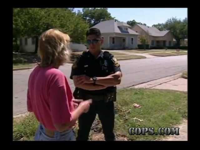 Rock Refund Officer Antonio Maldonado COPS TV SHOW