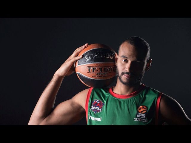 7DAYS Play of the Night Adam Hanga Baskonia Vitoria Gasteiz