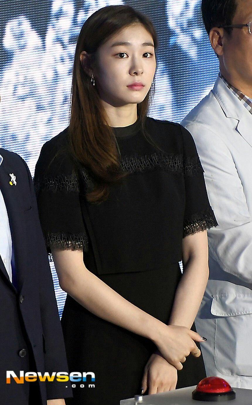 Юна Ким - Страница 4 RbjB2ZGTfdw