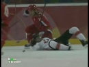 Kasparaitis hits Gagne  Дарюс Каспарайтис поймал на задницу за воротами  Ганье