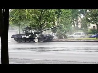 ЭРОНДОМДОМ НА ТАНКЕ В МИНСКЕ