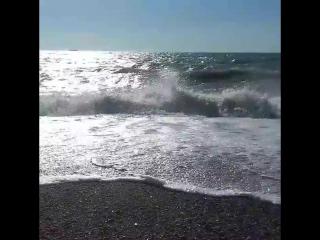 первый день моря не очень радуе ВОЛНЫ ((