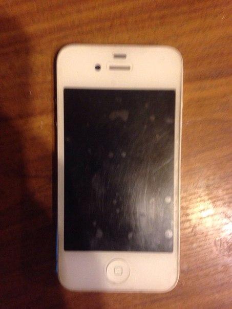 Продам айфон 5с белого цвета на 16 гигов ,царапин на экране нет ,стоит