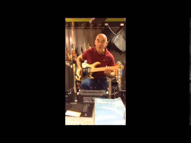 Essai guitare Cort HBS-2