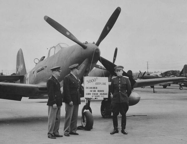 5000-й самолёт Bell P-39 Airacobra полученный СССР по Ленд-лизу. 10 сентября 1944 года.