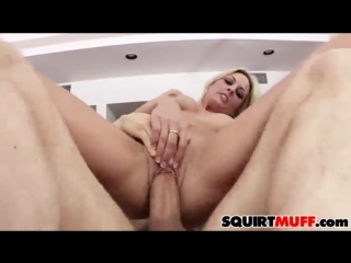 Sindy Lange squirting pussy