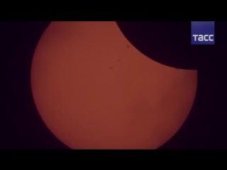 Уникальные кадры полного солнечного затмения