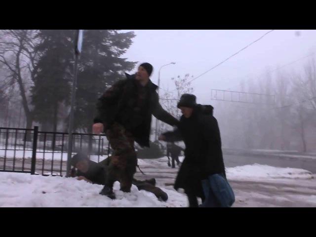 Страшный обстрел возле РИКа в киевском районе Донецка