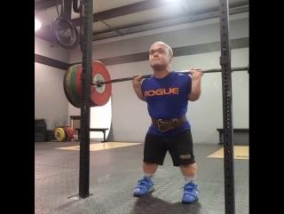 Майкл Витоус - присед 206 кг с паузой (61 кг)
