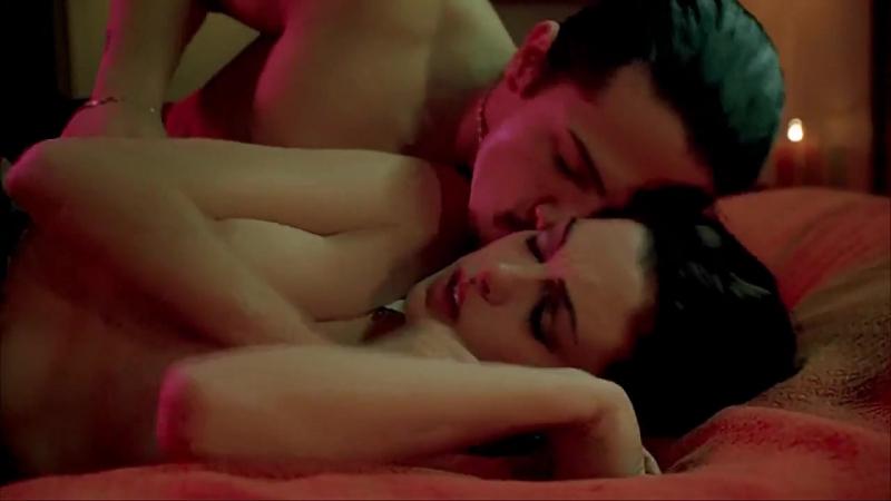 Голая Энн Хэтэуэй - Anne Hathaway Nude - Крэйзи | Havoc (Vk.Com/KinoRU_HD)
