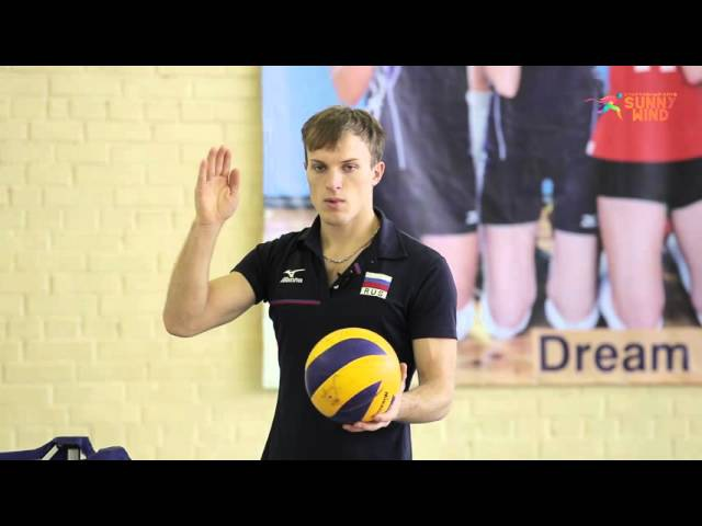 Обучение технике прямой верхней подачи мяча в волейболе Тренер Саломатов Стани...
