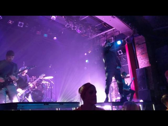 Parkway Drive - Wild Eyes [Concert Opener] - Live