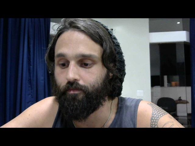 Nando Moura não seja jumento... Deleta o vídeo da Rússia e estuda mais... ou fala de música. [WW3]
