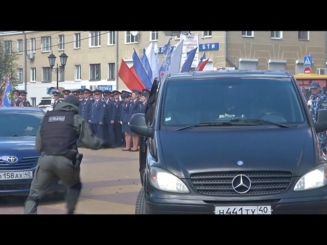 Сотрудники УФСИН спасли випа на площади в Калуге
