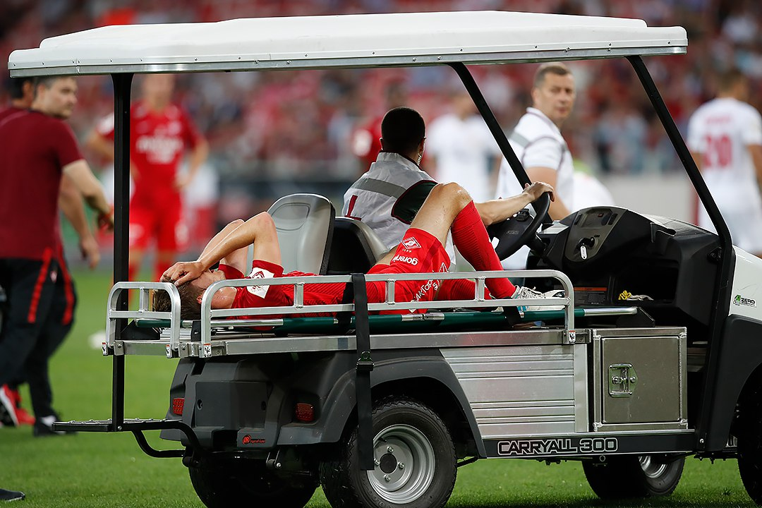 У Артема Тимофеева – травма передней крестообразной связки колена