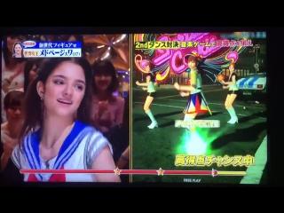 Я.И. Женя Медведева танцует под песню AKB48 в костюме Сэйлор Мун на японском шоу