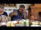 Грузинские тосты своими корнями уходят в древние традиции народа. Эти тосты красивы, красноречивы и восхваляют мужество, отвагу,