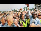 Baaba Maal joins the audience at WOMAD 2016